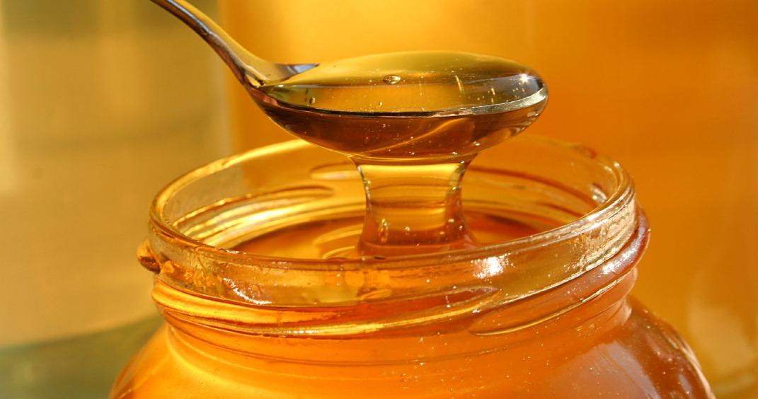 Miele, proprietà e benefici